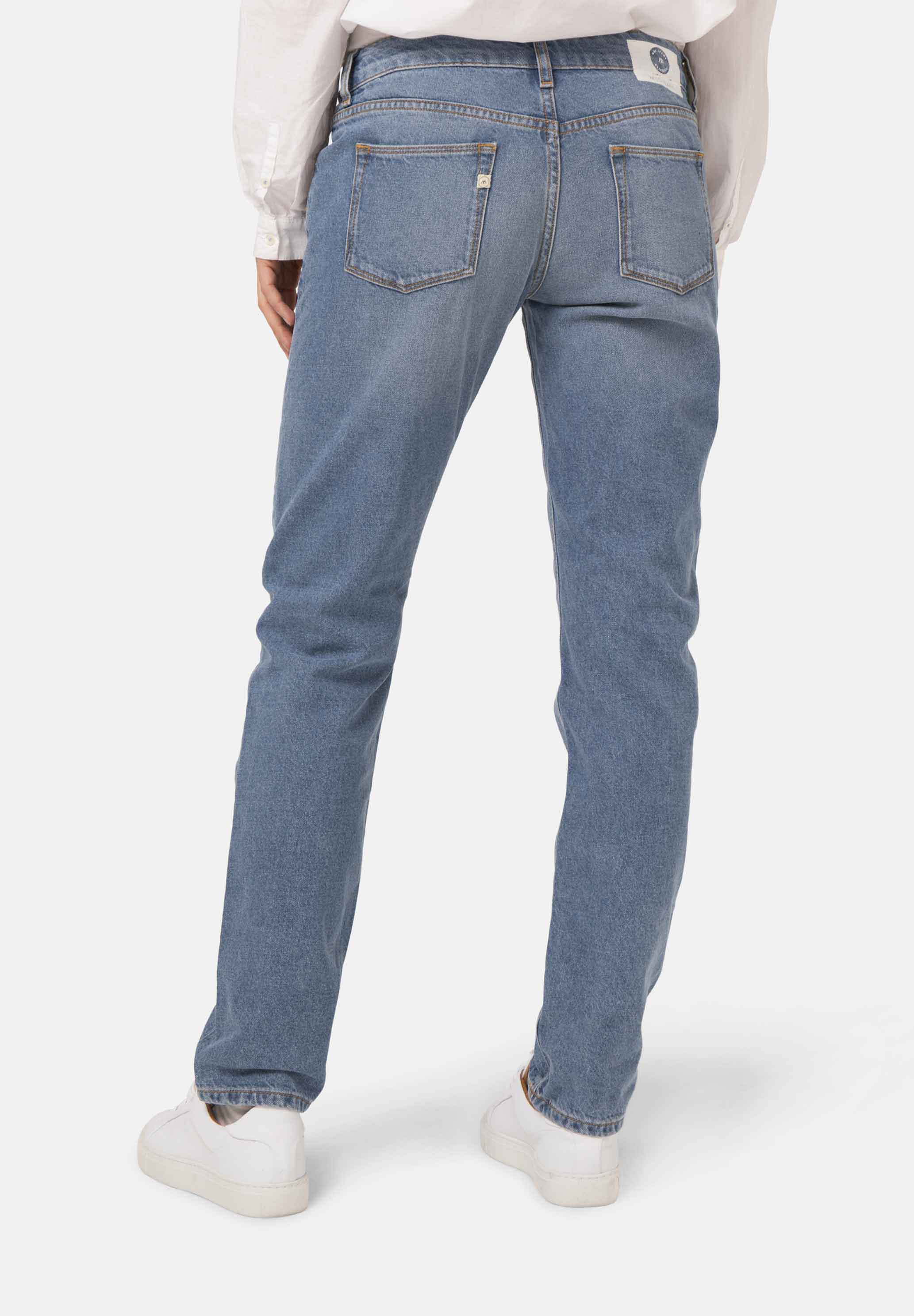 Woman-Vegan-Jeans-Fave-Straight-Heavy-Stone-halfback-1